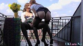 Strapon stocking brit lez