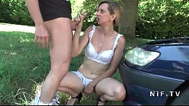 Amateur French mature cougar in lingerie gets her tiny asshole nailed outdoor