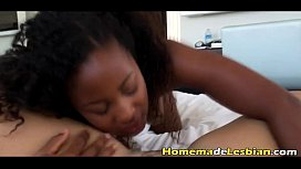 Amateurs Ivy and Keisha tape each other preview