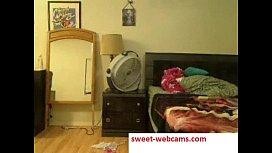 Hot blondie dildoing herself on webcam on sweetwebcamscom