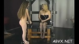Woman endures heavy bondage sex at home in non-professional episode