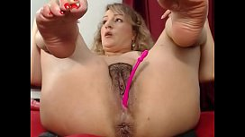 She know what men wants SlutRoulettewebcam