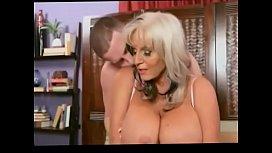 crazyamateurgirls.com - Mature lady gets her pussy filled with warm cum - crazyamateurgirls.com