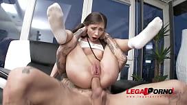 Porno estrupo atriz porno magrinha fodendo muito com cara dotado