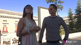 TOurist guide who boasts about doing the best blowjobs in Spain. Do you want to visit Madrid with Lauren?