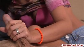 Jazmyn and Stephanie Moretti enjoy 3some