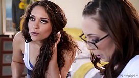 Tiny Lesbo Couple And The Mommy - Jenna Sativa, Angela Sommers, Ziggy Starr