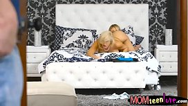 A a Cole and Savana es horny threesome in bed