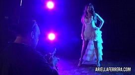 Ariella Ferrera와 함께 매력적인 장면 촬영