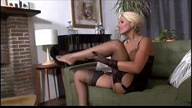 Sexy MILF masturbate CamTipsnet