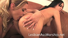 Lesbian Rimming and Tongue Fucking Summer Bailey and Brittany Blue