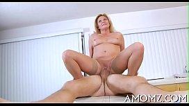 Mama shows off banging talents