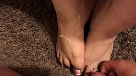 Cumshot on sexy whore gf feet