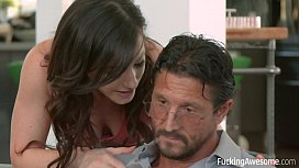 Jennifer White wants her step-dad'_s cock