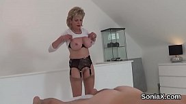 Cheating english mature lady sonia displays her big knockers