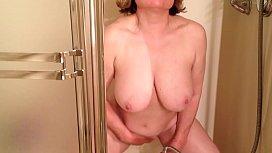 MarieRocks cums soooo hard in the shower