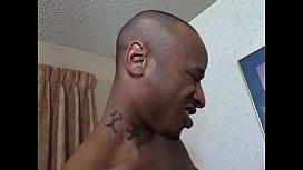 Black hunk slurps ebony babe Keesha Keys'_s coochie before drilling her on the sofa