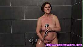 Hairy euro grandma dickriding after showering