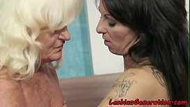 Lesbo granny fingerfucking a young beauty