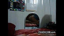 Nalgona riquisima comiendose una verga www.FASEXCOM.com