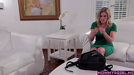 Tiny stepdaughter teen shuts up a MILF stepmoms mouth