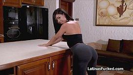 Big round Latina booty bouncing on hard cock