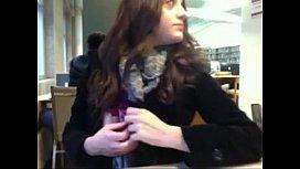 elle s exhibe en cam a la bibliotheque de AmisSexys.com