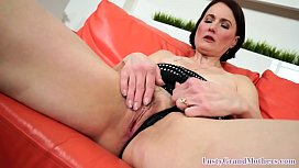 Cumloving granny eating cum after pussyfucked
