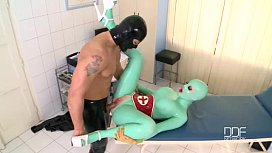 Latex Lucy has a huge Orgasm in clinic fuck session