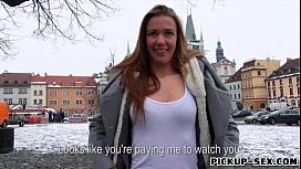 Pretty amateur Eurobabe Dominika fucked in exchange for cash