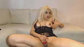 blonde milf masturbating-watch pt2 on milfhubtv.com