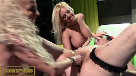 Fatty brunette threesome lesbian with blonde bigtits and italian slim