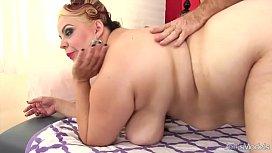 BBW Buxom Bella gets a sex massage men.com myvidster