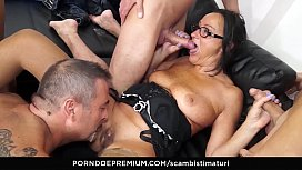 SCAMBISTI MATURI - Amateur mature orgy with hot ass fucking for brunette Italian taking 4 on 1 xxx video