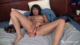 Brunette Lynn Masturbating Her Shaved Snatch