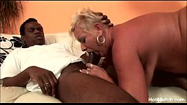 Mature Amanda fuked by two big black cock