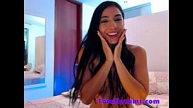 Sexy latina with big tits on cam