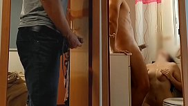 I HAVE SEX WITH THE PLUMBER, HE CUM ON MY TITS AND MY PARTNER SEES EVERYTHING. -FULL VIDEO> XvideosRED- www.pequeydemonio.com