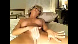 Milf Dildos Her Pussy Squirtingmilfcamscom
