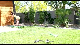 TinyK Jenna Reid beats the heat with a cum shower