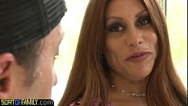Pussyfucked cougar gives an amazing titfuck