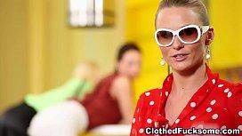 Hot classy glam lesbo rub