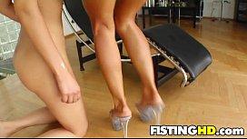 Fisting Babes Bonnie & Cindy H