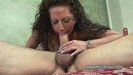 Mature swinger Angelica Lauren gets her pussy fucked