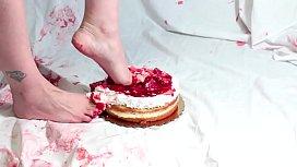 Strawberry Cake Crush