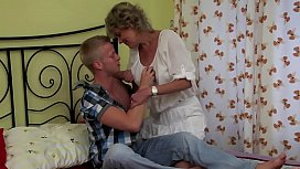 MILF GETS FUCKED IN BEDROOM BY HIM !! xxx video
