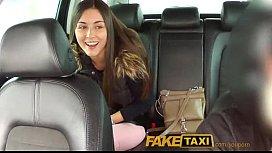 Ea A Mai Vazut Filme Cu Fake Taxi Si Se Bucura Sa Faca Unul Chiar Ea