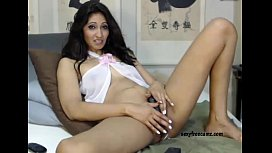 MILF Playing With Her Sweet Pussy on a Webcam se eecamzcom