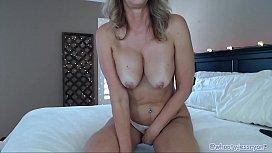 Slut Milf Fucks Ass On Live Webcam Show