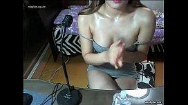 Asian webcam girl rubs baby oil on her chest fuckse ivecam